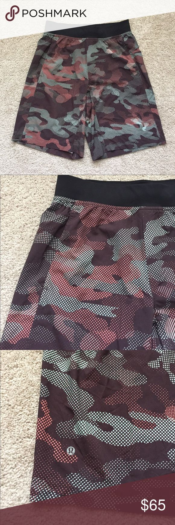 """Lululemon men's brown camo shorts sz med Excellent condition brown camo shorts with pockets ! Does not have built in shorts or underwear. Length is 20.5"""" lululemon athletica Shorts Athletic"""