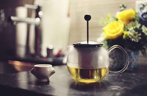Find out about the different kinds of tea that help you sleep. From herbs and roots to Chinese medicine, I'll be looking at the most popular bedtime teas.