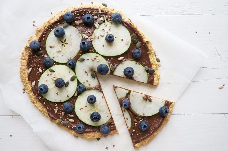 Chocolade pizza met appel en bosbessen