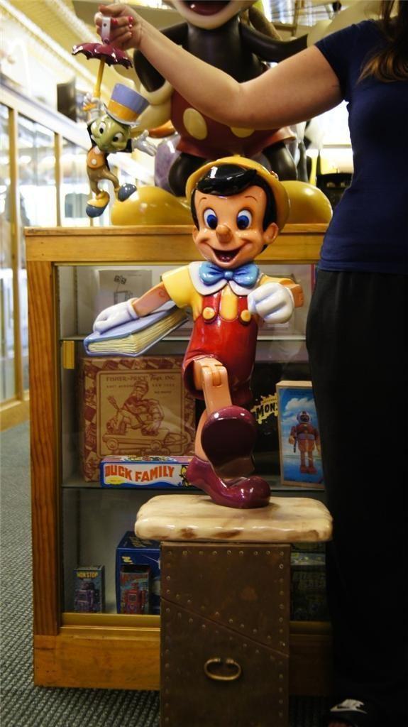 10 Best Disney Store Display Images On Pinterest Shop