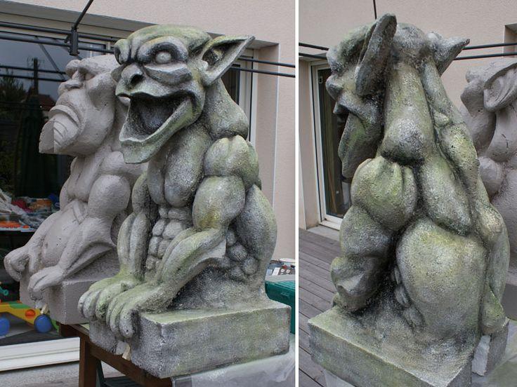 sculpture de gargouille en aspect fausse pierre