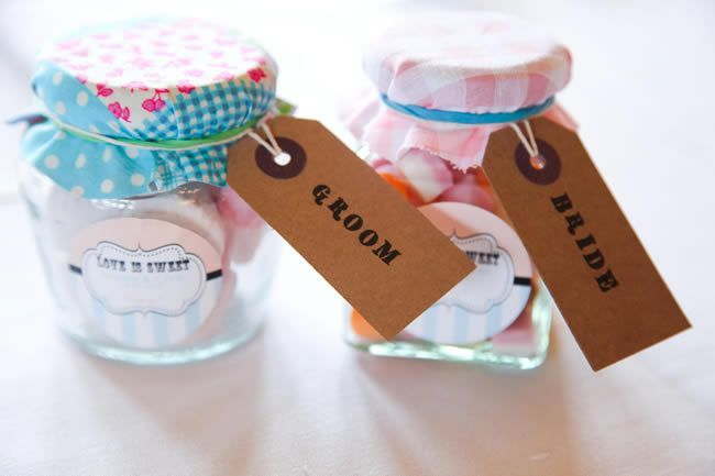 A sweet wedding favour idea - photography © ktbphotography.co.uk
