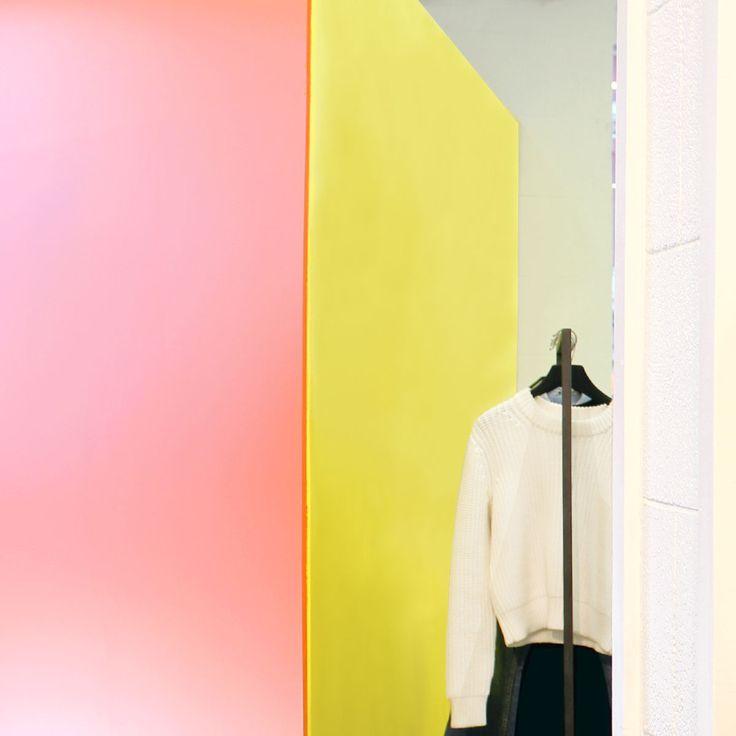 ALEXANDER WANG : items that become fresh again and transform into new icons. #arropame #conceptstore #bilbao #ss2016 #AlexanderWang #fashion #shopping #moda #trendy #style http://arropame.com/la-capsula-rebelde-de-alexander-wang/