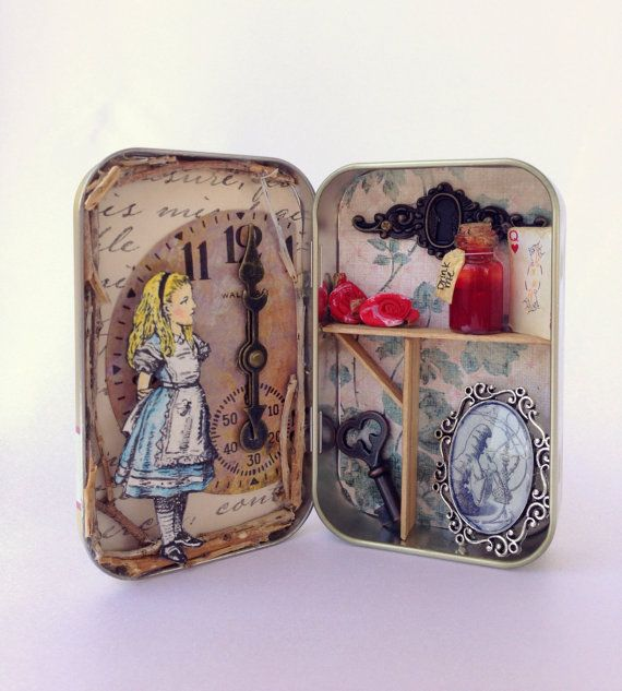 Alice in Wonderland Altered Altoid Tin - love this, going to try and make one myself!                                                                                                                                                                                 More