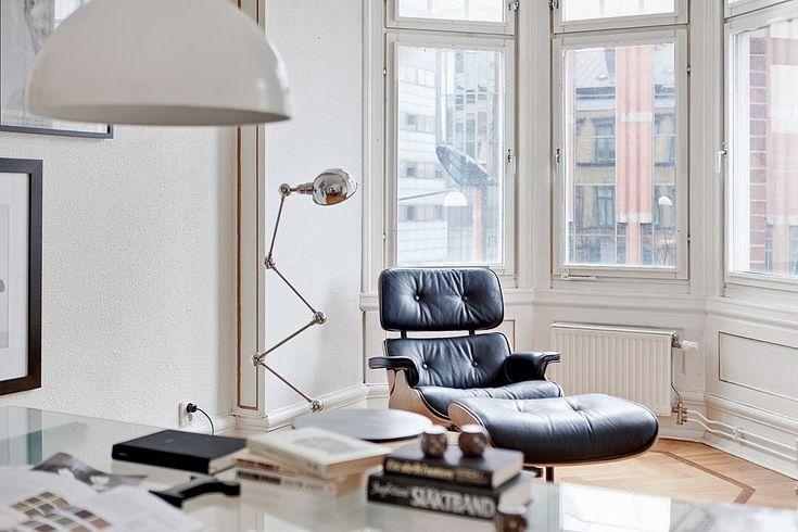 Charles & Ray Eames - Lounge Chair - POPfurniture.com