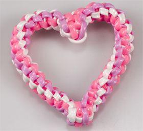 Scoubidou heart boondoggle valentine