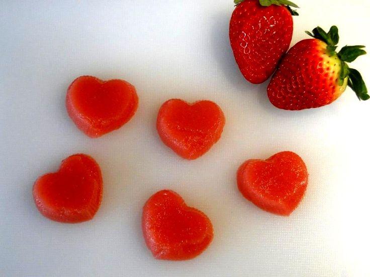¡Hola, dulces lectores!<br /> A todos nos gustan las gominolas, pero ay, el azúcar, las calorías… ¿Y si preparamos unas gominolas sin azúcar, saludables y aptas para personas con diabetes? Sin ...
