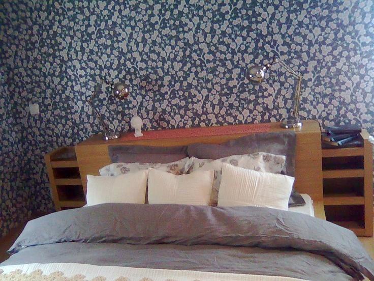 Puinen sängynpääty, IKEA