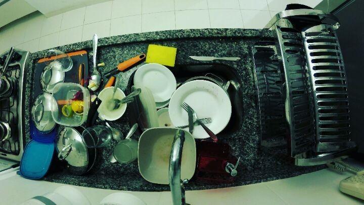 A vida adulta e seus desafios diários.  #meditacao da #presenca  #dia #divino #lavando #pratos #louça #video #muitobom #adoro #assista #curta #siga #instavideo