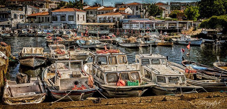 Çanakkale Bozcaada Limanı ve Balıkçı Tekneleri