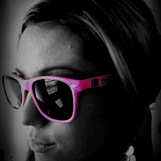 We're giving away these super chic shades! Visit our fanpage for details! #fiat #fiat500 #abarth