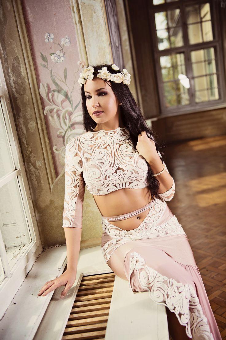 "Ivory Embrace - premium extra ""Lace Embrace"" collection  #fashion #art #fashiondesigner #bellydance #stage #costume #costumedesigner #highfashion #personaldesigner #lace #puresilk"