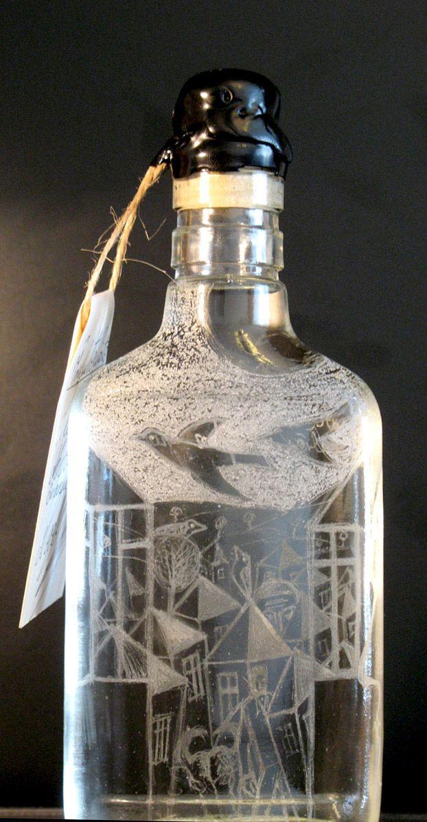 Sticla gravata umpluta cu horinca de mere facuta de Rus Vasile.