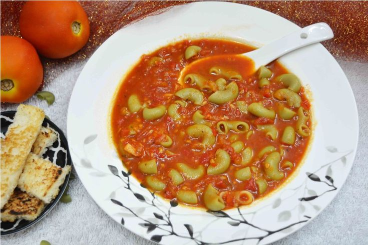 Tomato Spinach Macaroni Soup A healthy and delicious way to kick off monsoon!!! #tomatomacaronisoup #hot #delicious #kidsfavorite #tomatosoup #tomatonoodles #onepotmeal #healthy  Recipe at : www.annapurnaz.in