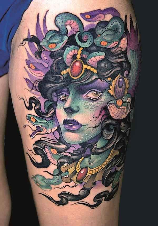 . Die Geschichte der schlangenköpfigen Medusa ist eine der bekanntesten Erzählungen der griechischen Mythologie. Sie handelt von Schönheit, Stolz, Übermut, Fall, Bosheit, aber auch Gerechtigkeit. Kurzum, eine typisch antike Geschichte zu Gut und Böse. Als Tochter der Götter Phorky und Keto war…