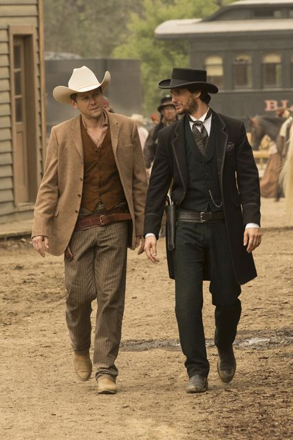 Westworld Character Guide - Who Is Cast Of New HBO Show: Logan (Ben Barnes) Logan is a return visitor to the park, and this time he's brought along his apprehensive friend Will in hopes of loosening him up. Logan freely indulges in the hedonistic pleasures that Westworld has to offer, killing men and sleeping with women with abandon. His stance on the hosts is the opposite of Will's, which could set them up for a huge conflict in which Will will defend a host from Logan.