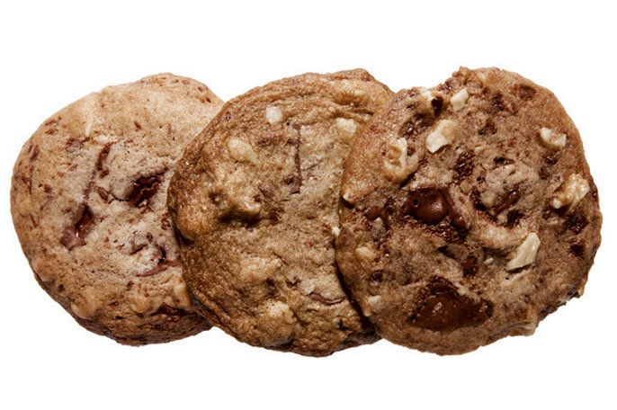 Flat-and-Chewy Chocolate-Chip Cookies by Amanda Hesser