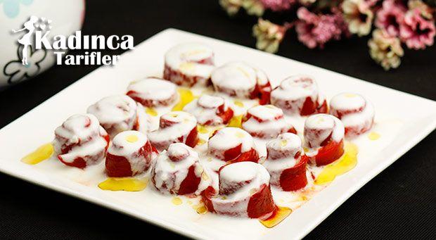 Yoğurtlu Közlenmiş Kırmızı Biber Salatası | Kadınca Tarifler | Kolay ve Nefis Yemek Tarifleri Sitesi - Oktay Usta