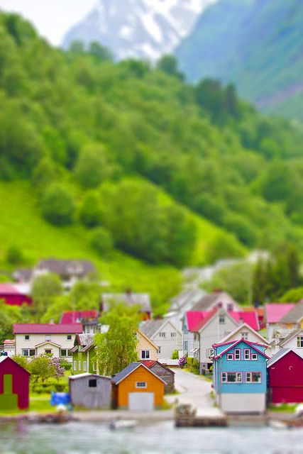 Norway miniaturised using a tilt-shift iPhone app