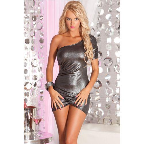 Bereid je maar voor op een onvergetelijke avond met dit super sexy club jurkje! Het gesmokte jurkje heeft een asymmetrische vorm en een uitgesneden zijkant voor een lustige uitstraling. Dit jurkje is perfect voor in de club of discotheek!