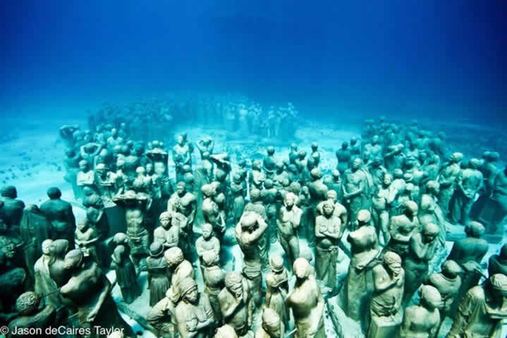 underwater sculpture tribute to the Middle Passage, omg makes me want to cry