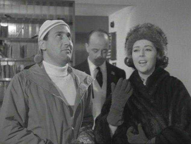 """Alberto Sordi con Anne Vernon in """"Il Conte Max"""" di Giorgio Bianchi (1957)"""
