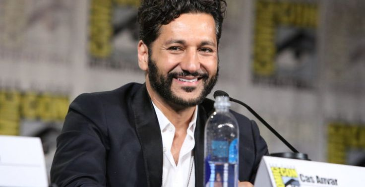 Great handsome smile for the day from Cas Anvar being on The Expanse SDCC 2016 panel.