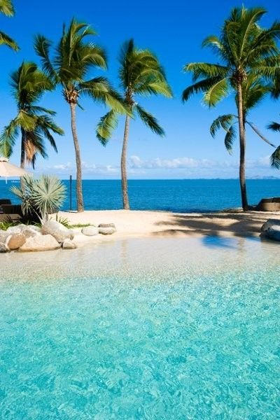 ♥ Caribbean islands, where the sun shines all year round. It's where travellers flock to sip rum cocktails on the shimmering white sandy beaches while gazing upon the crystal clear seas. ♥