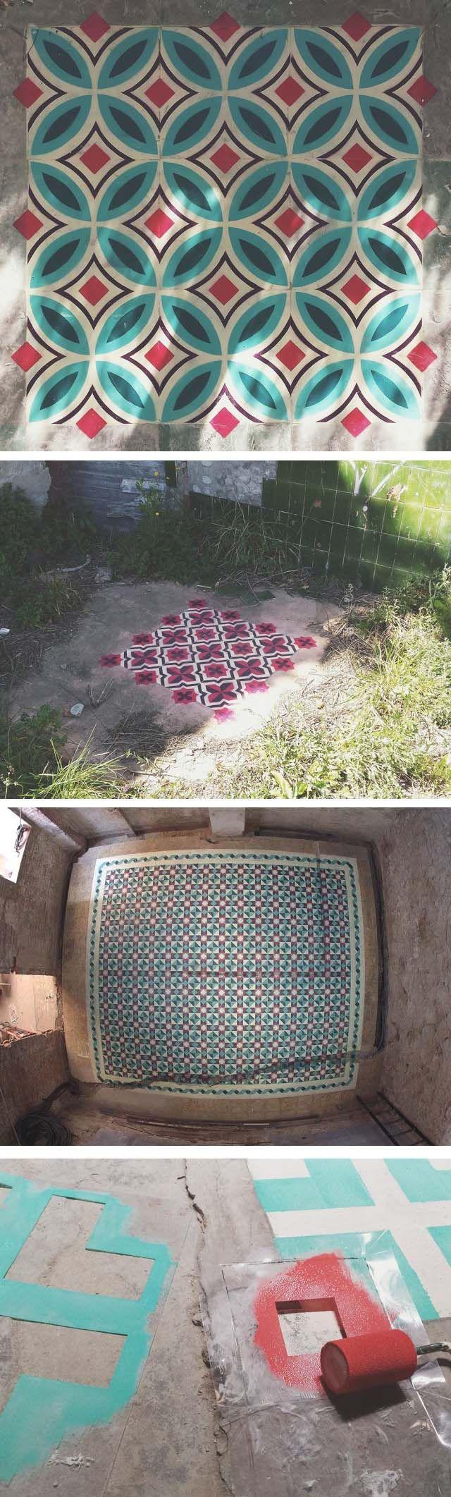 Javier De Riba est un artiste espagnol qui tient une collection impressionnante de ce qu'il appelle « floor installations ». Pour apporter quelques couleurs aux lieux abandonnés et désaffectés, il dessine au sol des motifs géométriques qui ressemblent à du carrelage, à l'aide de sprays et de pochoirs.
