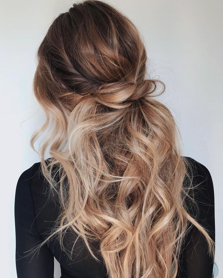 Cute Easy Casual Hairstyles Inspiration Half Up Hair Ideas Half Up Twisted Ponytail Pretty Wavy Hair Soft Waves Hair Tw Curly Hair Styles Hair Styles Hair