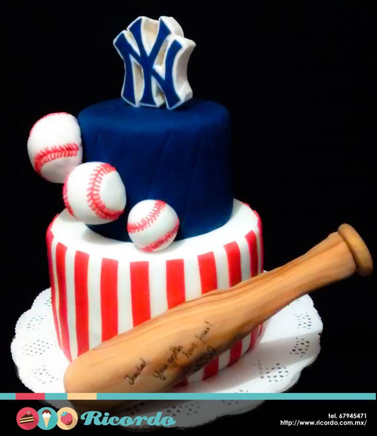 #MiercolesDeGaleria ¿Eres fan del béisbol? Personaliza tu pastel con el logo de tu equipo favorito y lo que es mejor, con una frase de alguna super estrella del béisbol. #catalogoRICORDO #pastel #fondant #fondantcake #baseball #baseballlife #beisbol #yankees #nyyankees