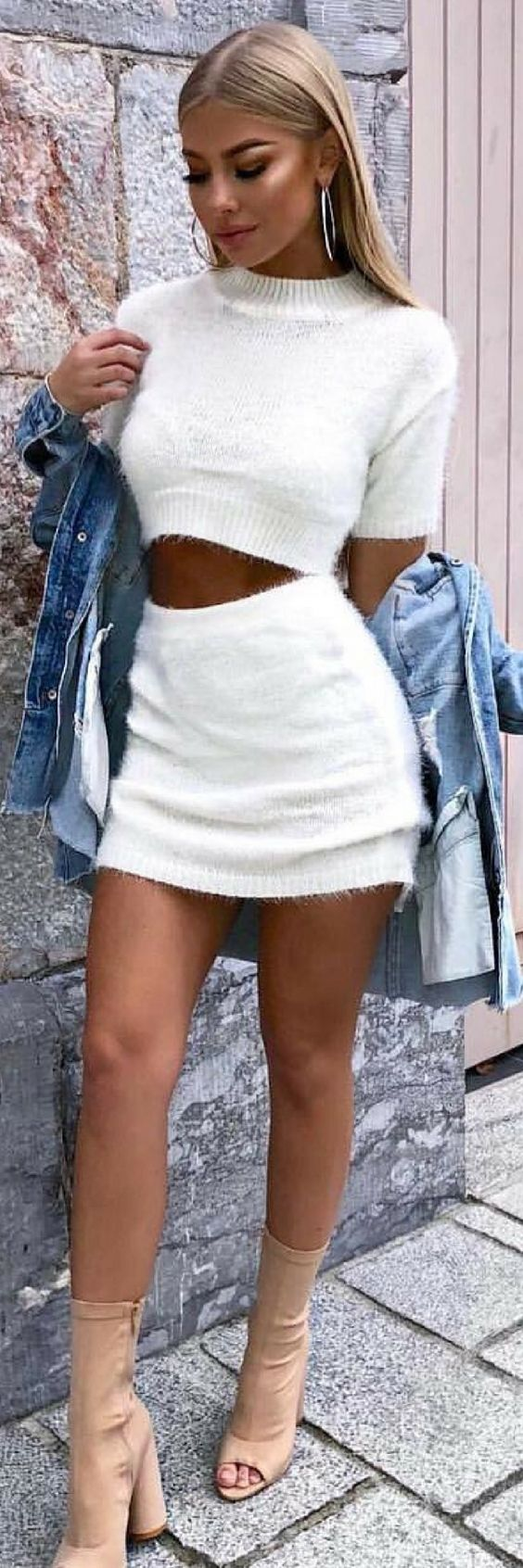 10 Sensational Winter Outfits To Make You Look Outstanding https://ecstasymodels.blog/2017/12/14/10-sensational-winter-outfits/