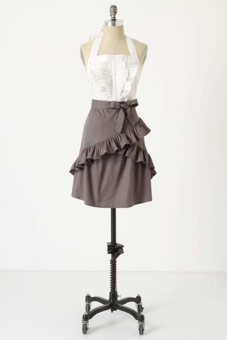 White waist apron ruffle - Glamorous Aprons