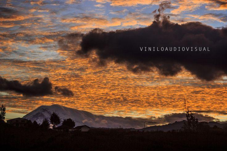 a lo lejos el Chimborazo...