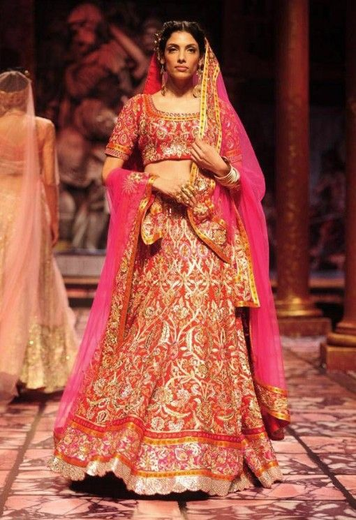 India Bridal Fashion Week 2013 – Suneet Varma elaborate red bridal wedding lehenga