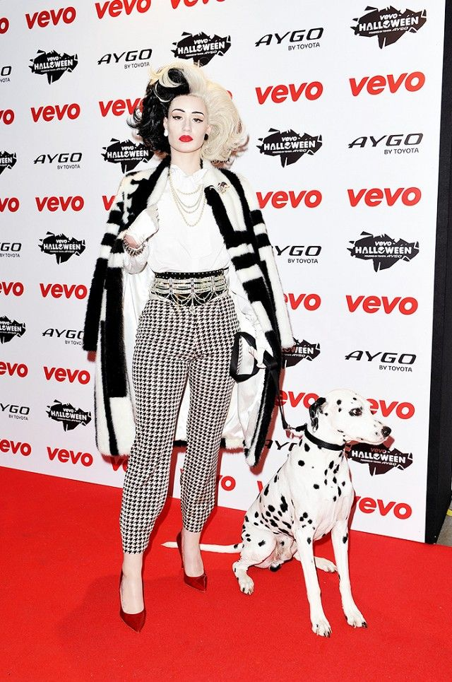 The 17 Best Celebrity Halloween Costumes of ALL Time via @WhoWhatWear