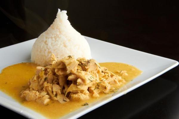 Ají de galinha peruano, um prato típico da gastronomia peruana, delicioso e fácil de fazer!