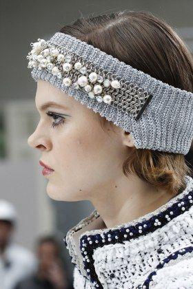 Chanel Headband Pearls Fall Winter 2017 2018 runway details fashion week coverage runway fall winter 2017 2018 trends trend