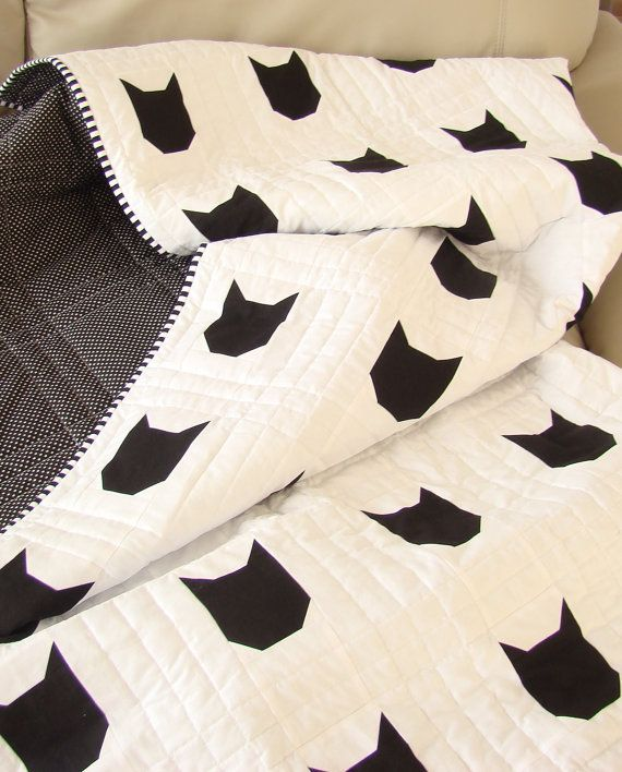 SALE 10% OFF - Modern Toddler Quilt / Cat Quilt / Black and White Quilt/ Cat Theme Decor / Cat Home Decor /Cat Theme Gift