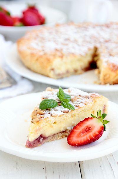 """Подозреваю, что расхожее """"дольче вита"""" происходит от традиции итальянцев завтракать сладкой выпечкой. Не может быть день плохим, если он начался с чашки ка"""