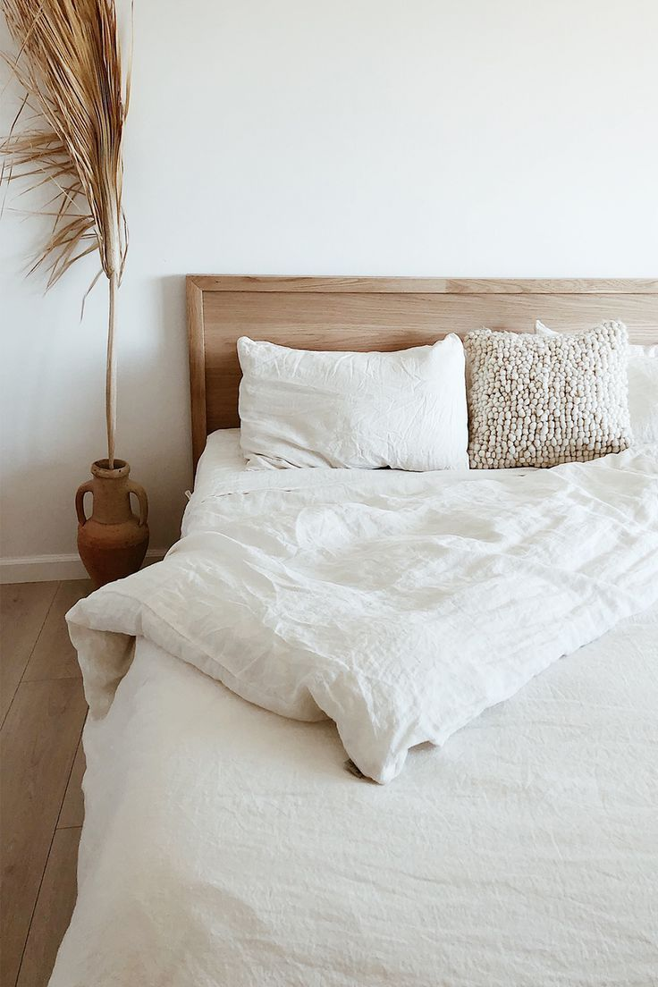 Bed Linen Ideas Green Bed Linen Storage Solutions Bedlinenblue Bedlinenideasbeautiful Bedl In 2020 With Images White Linen Bedding Bedroom Inspirations Cheap Home Decor