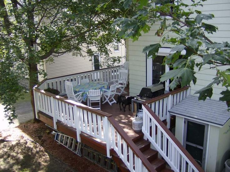 Deck Stain Ideas Two Tone Two Tone Staining And Dual Pickett Rails Add Spar