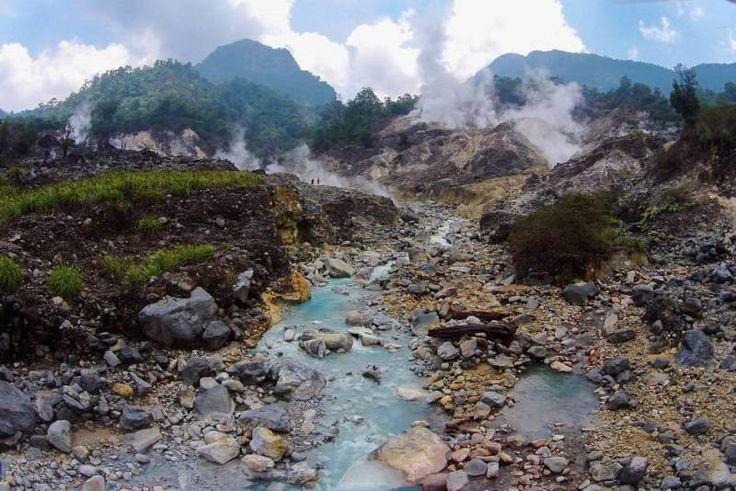 Kawah Ratu Gunung Salak - Tempat Wisata di Sukabumi