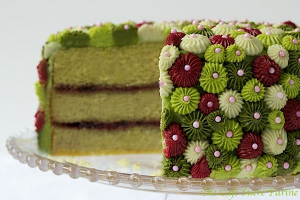 California Avocado Cake w/ Raspberry Filling & Key Lime Buttercream Icing - thecafesucrefarine.com