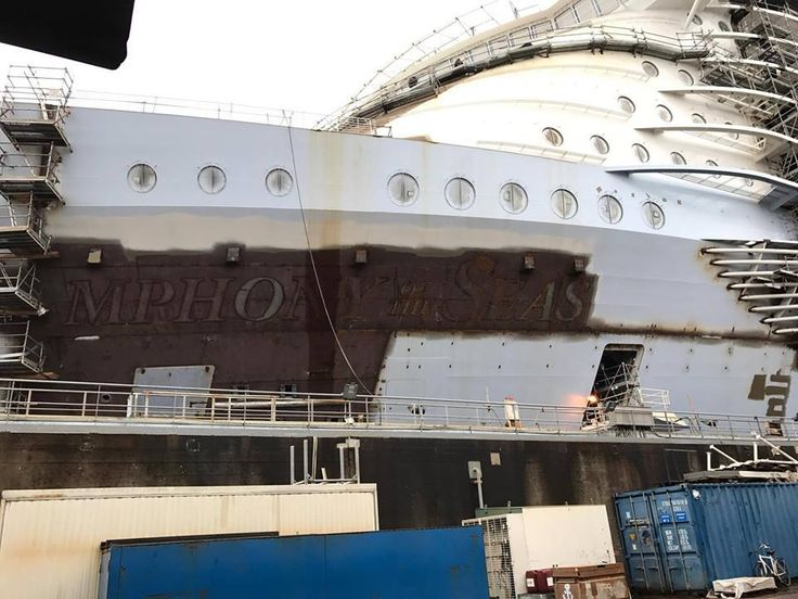 448 best Symphony of the Seas (Oasis 4) Construction at ... Oasis Of The Seas Construction