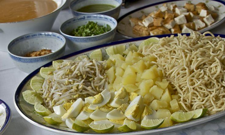 Indonesian Medan Food: Mie Rebus Medan (Medan Noodles)