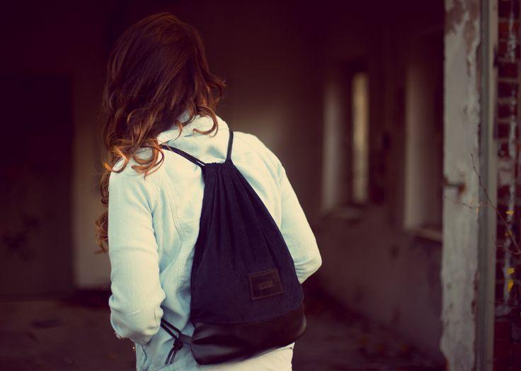 Jana / JVDB BLOG wearing our Black Gym Bag.