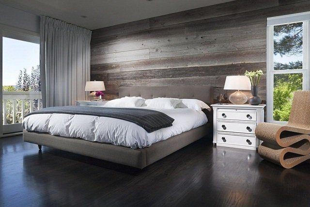 couleur de chambre grisâtre: sol et mur en bois gris
