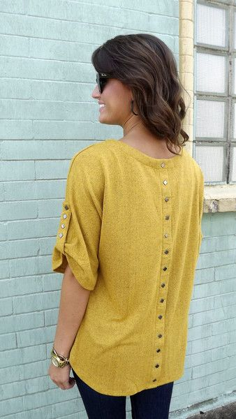 Loose tunic and skinny jeans... Fall is right around the corner!