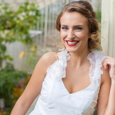 Did you know that 90% of our dresses are brand new and have been gifted to Oxfam by designers and bridal boutiques? Others have been generously donated by our supporters after tying the knot. Each bridal gown is in mint condition and will raise vital funds for our work (prices range from €50-€400 and £75-£325).   https://www.oxfamireland.org/bridal/wedding-dresses   Photo: Darren Fitzpatrick.